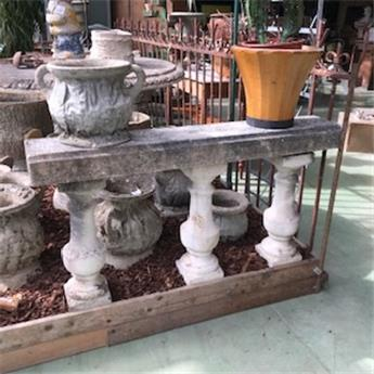B BROCANTE DECORATION BALUSTRE EN PIERRE